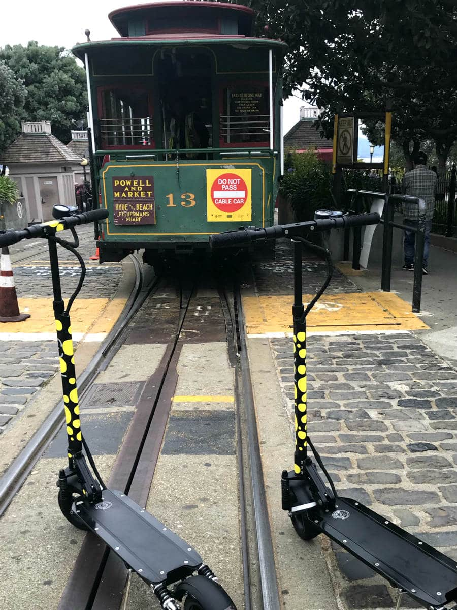 eco-reco-electric-scooters-san-francisco-cable-car
