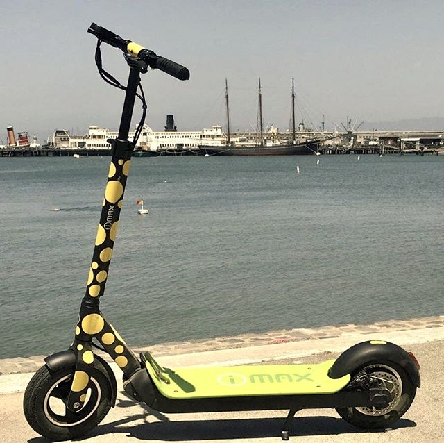 Have family in town for the holidays ☃️?  See more of San Francisco than you can on foot! Our kick-butt scooters 🛴not only have more power 🏼than the average rental but when you ride one, you're also cruising to the Golden Gate Bridge in style.  Best of all, scooters are a blast to ride! Take off on our 2.5 Hour Electric Scooter Tour that wheels through Maritime Park and then out to the Marina Green 🏞️through the Presidio on the way to the Golden Gate Bridge . Enjoy incredible views of San Francisco Bay, Golden Gate Bridge, and the city skyline 🏙️.  Tours are limited to 10 riders per tour guide.  Numerous stops perfect for Instagram or Snapchat – so don't forget your smartphone 📸.   Call 415-474-3130 for reservation or book online https://electrictourompany.com/ . . .  # #sfholidays